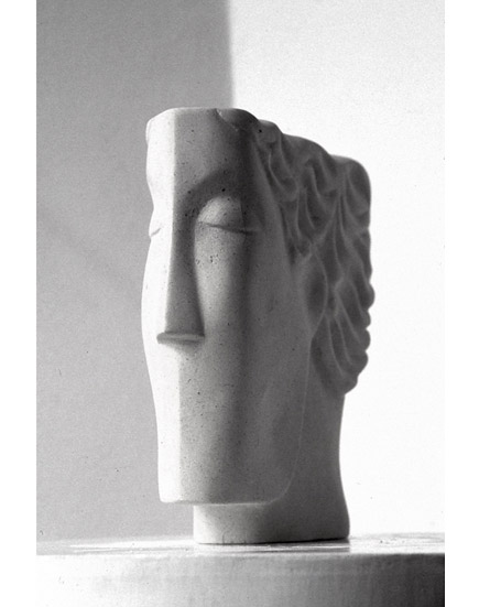 THINKING HEAD limestone view 2 22x22x4cm